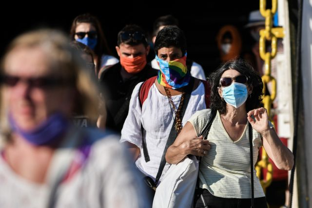 Ορατό το ενδεχόμενο να φοράμε μάσκες έως το 2022!