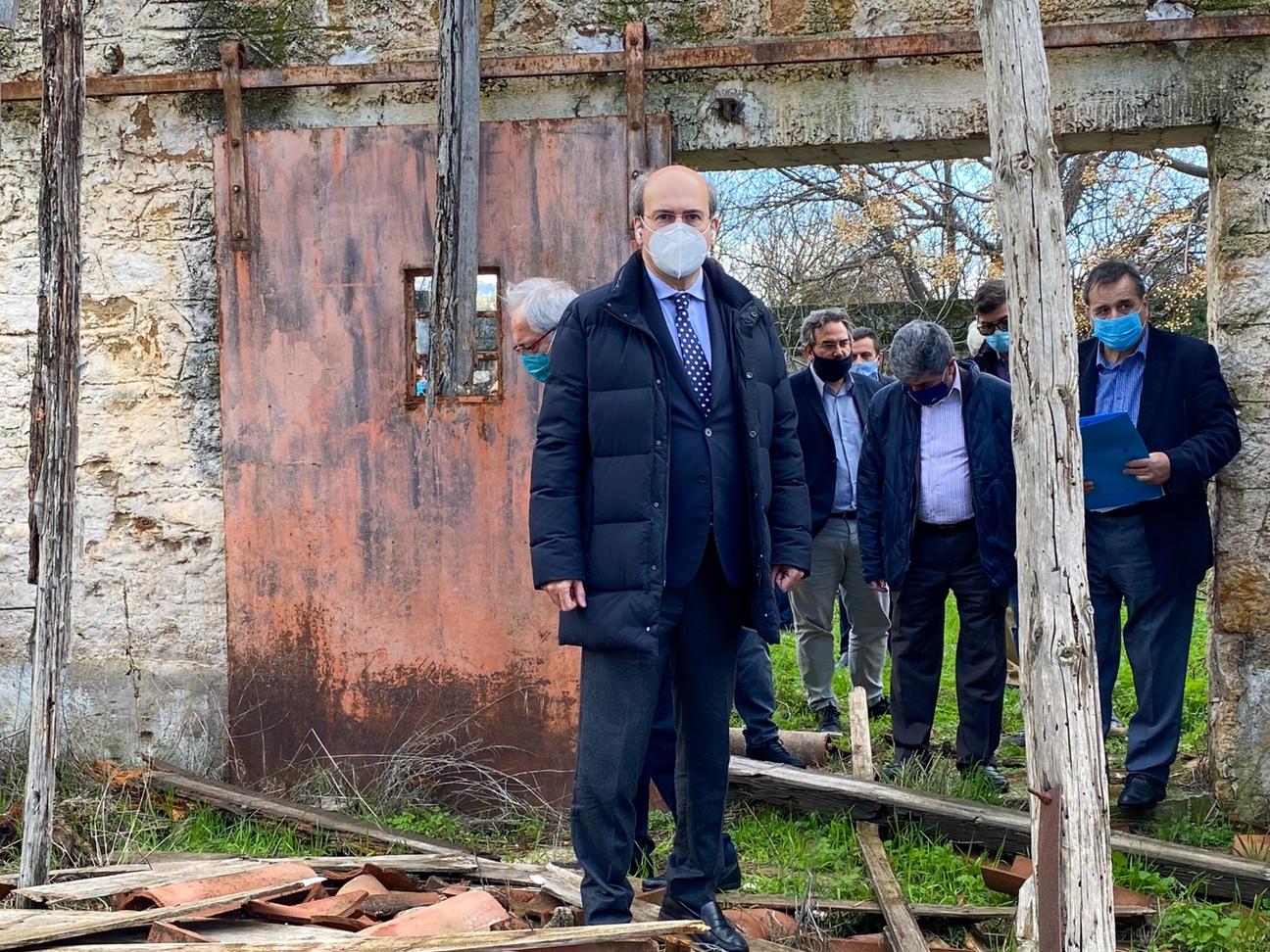 Κ. Χατζηδάκης: Περί τα 9.500 τα ετοιμόρροπα κτίρια στη χώρα – Άμεσες θεσμικές παρεμβάσεις του ΥΠΕΝ