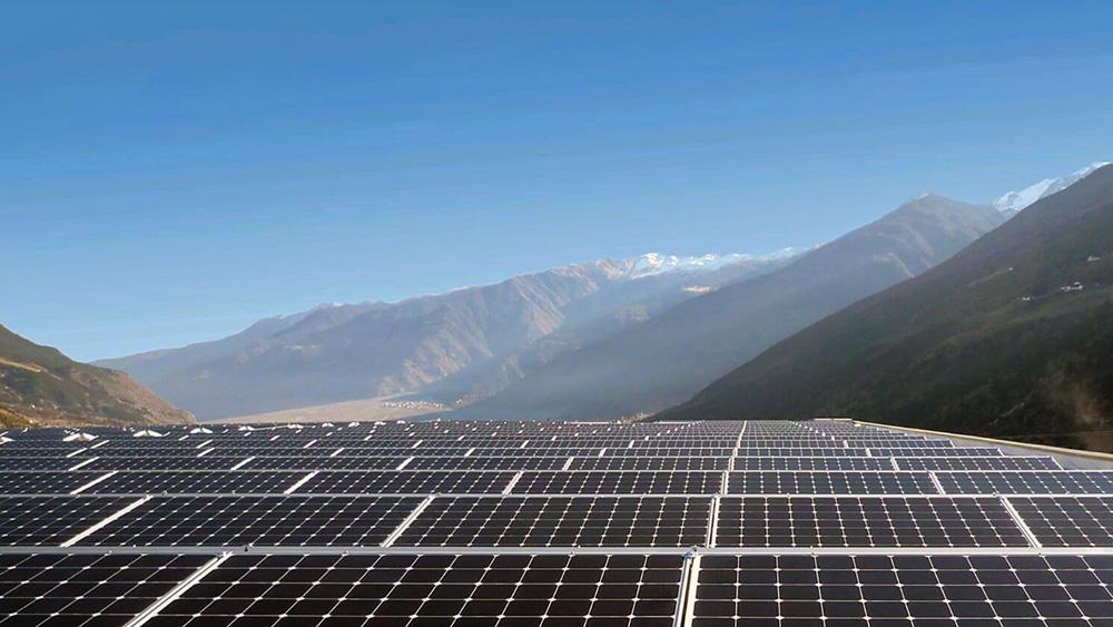 Σε λειτουργία το πρώτο μεγάλο ηλιακό πάρκο της Αρμενίας