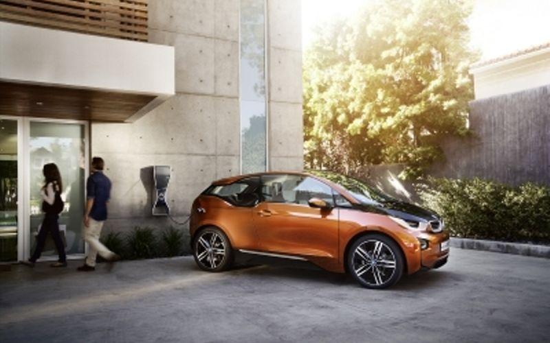 Εκτόξευση στις πωλήσεις ηλεκτρικών αυτοκινήτων το 2020