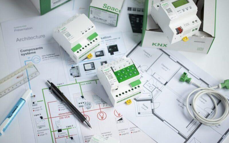 Νέα σειρά υλικών αυτοματισμού SpaceLogic KNX από την Schneider Electric