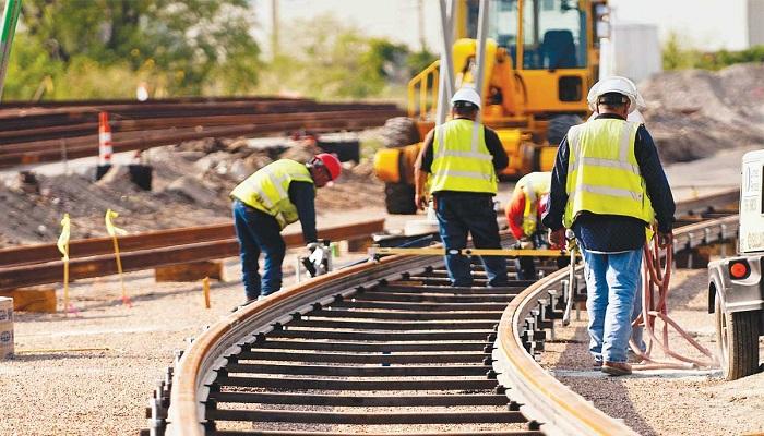 Υπεγράφη η σύμβαση για την ολοκλήρωση των έργων αναβάθμισης του σιδηροδρομικού άξονα Αθήνα – Θεσσαλονίκη – Προμαχώνας