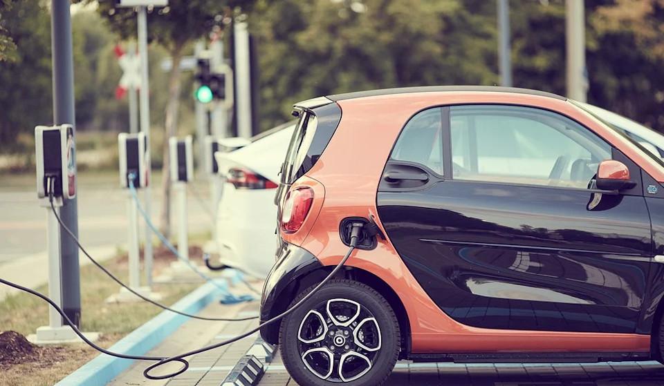 Ηλεκτρικά αυτοκίνητα: Πόσο αντέχει η μπαταρία τους;