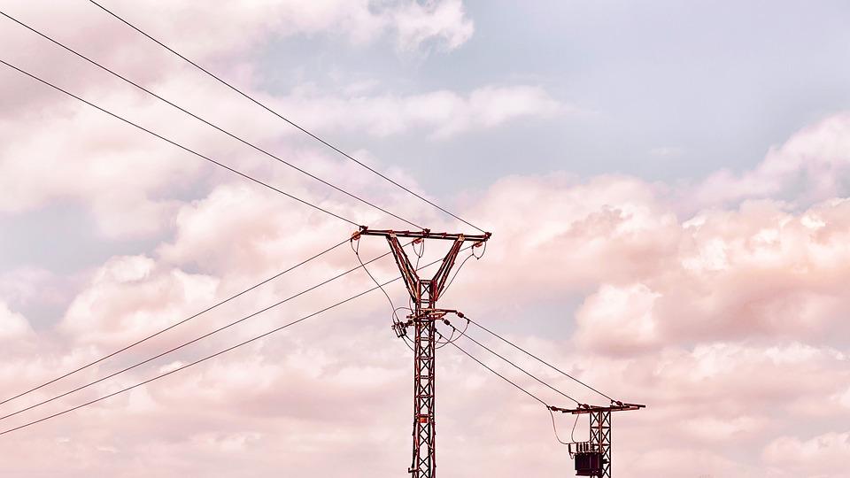 Μείωση στη ηλεκτροπαραγωγή της ΔΕΗ- Η θέση της Ελλάδας στην ενεργειακή αγορά