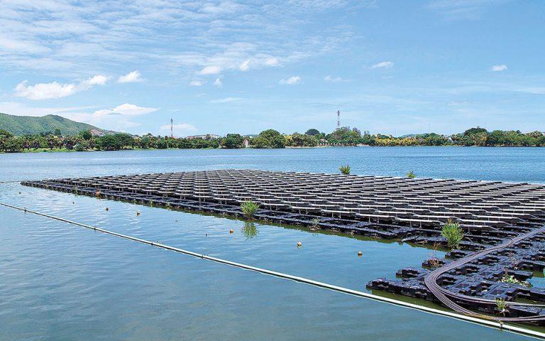 Έντονες οι αντιδράσεις για τα πλωτά φωτοβολταϊκά στη λίμνη Πολυφύτου