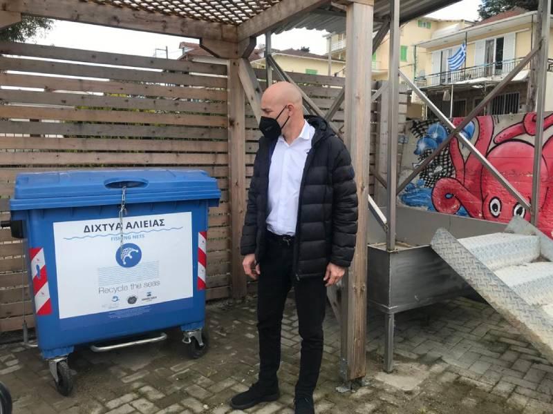 ΥΠΕΝ: Δίκτυο Δήμων με σταθμούς συλλογής θαλάσσιων απορριμμάτων