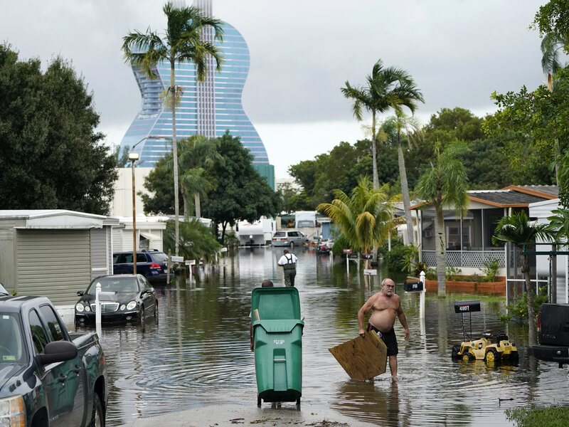 Φλόριντα: Κίνδυνος για τεράστια περιβαλλοντική καταστροφή λόγω διαρροής τοξικών λυμάτων