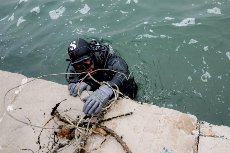 Δεύτερη δράση καθαρισμού βυθού στο λιμάνι της Βόνιτσας από την ΕΛΟΠΥ