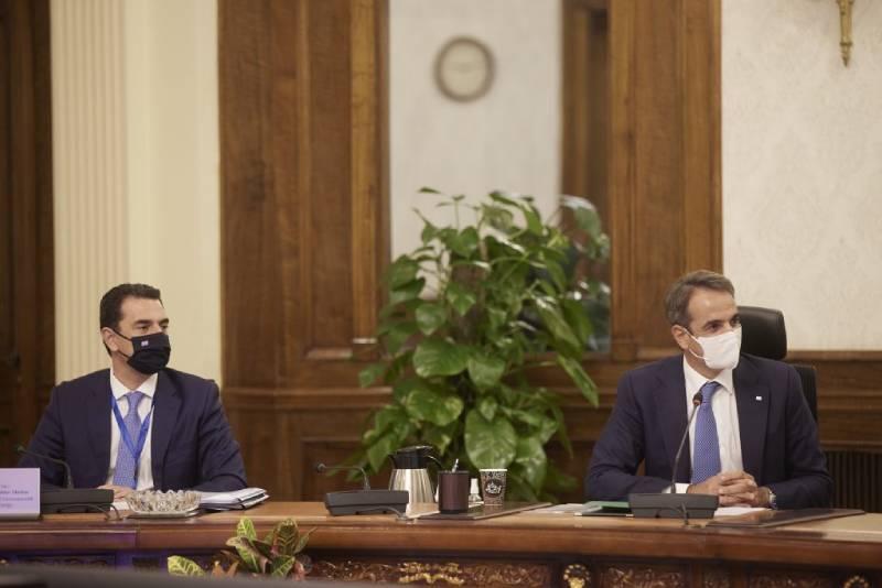 Η ηλεκτρική διασύνδεση Ελλάδας – Αιγύπτου στο επίκεντρο των συναντήσεων του Κώστα Σκρέκα